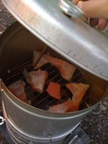グリーンビュー丸山 オートキャンプ場鮭の燻製
